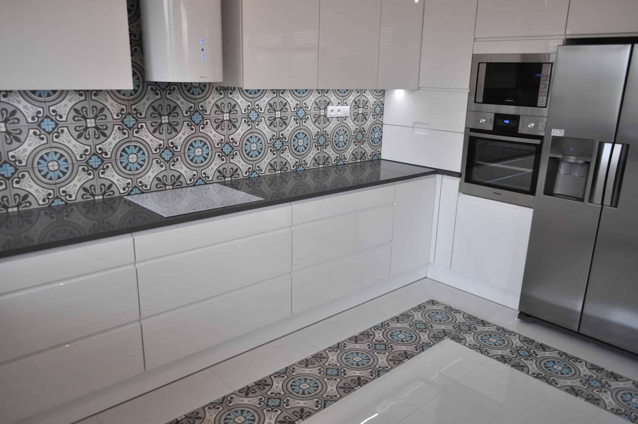 MALCOLM - płytki cementowe w kuchni