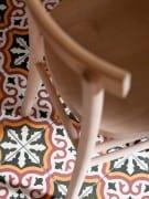 Klasyczny anturaż i meble vintage oraz… posadzka z marokańskich płytek cementowych