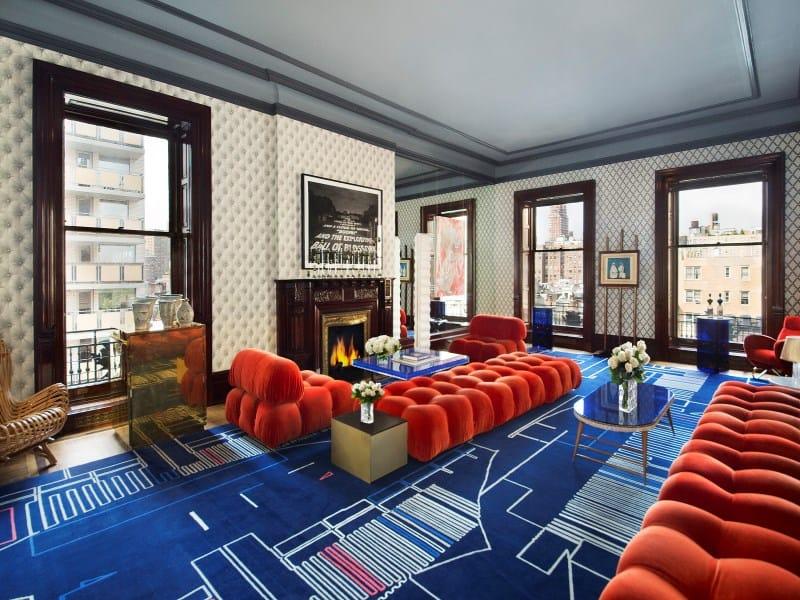 Dakota Apartments, Nowy Jork, mieszkanie urządzone na przełomie lat 70. i 80. XX. wieku, meble w stylu Vintage, salon oraz kuchnia wyłożone płytkami cementowymi