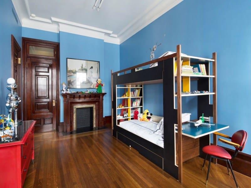 Dakota Apartments, Nowy Jork, mieszkanie urządzone na przełomie lat 70. i 80. XX. wieku, meble w stylu Vintage, salon oraz kuchnia wyłożone płytkami cementowym