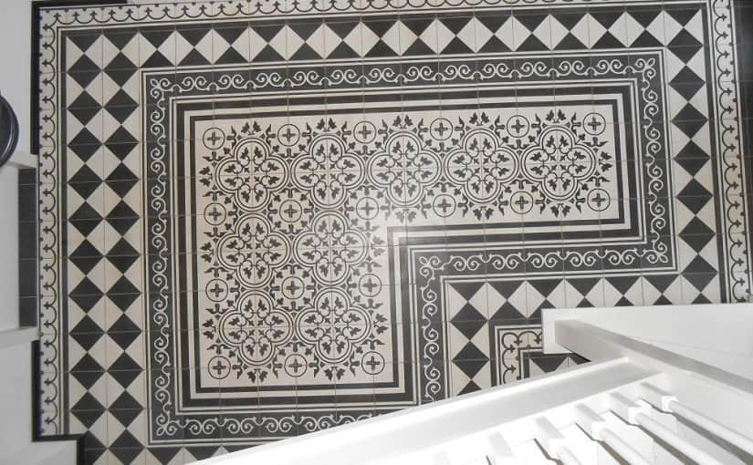 Posadzka dywanowa z płytek cementowych – skomplikowane wzory