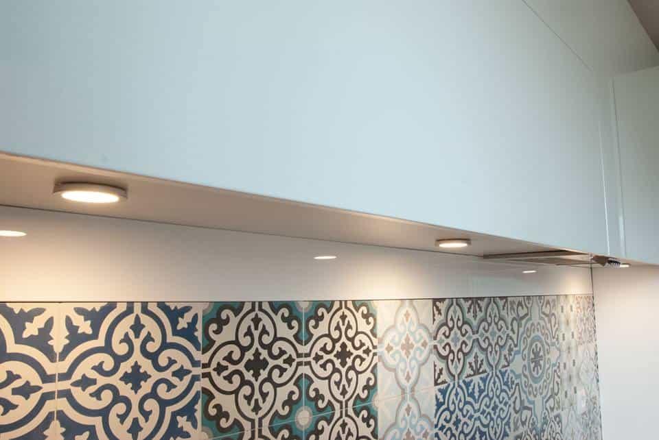 Patchwork z płytek cementowych ze sklepu Kolory Maroka, zaprojektowany przez architektkę wnętrz Katarzynę Matuszyńską-Skalczyńską.